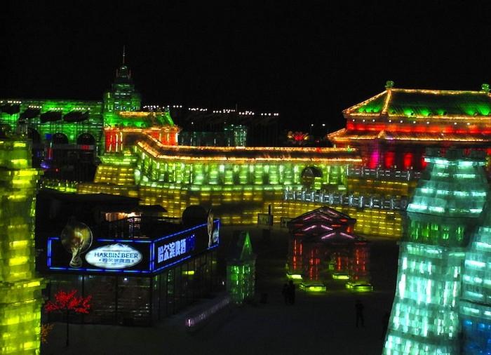 http://www.kulturologia.ru/files/u5694/harbin-ice-festival-5.jpg