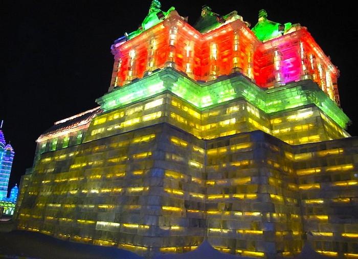 http://www.kulturologia.ru/files/u5694/harbin-ice-festival-6.jpg