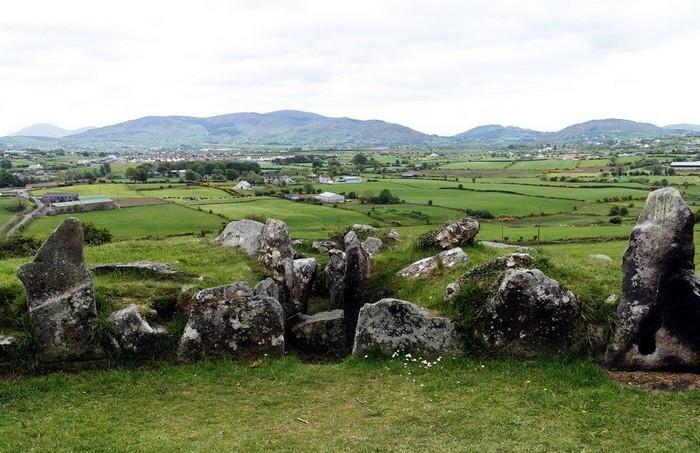Кромлех-гробница в окрестностях Белфаста