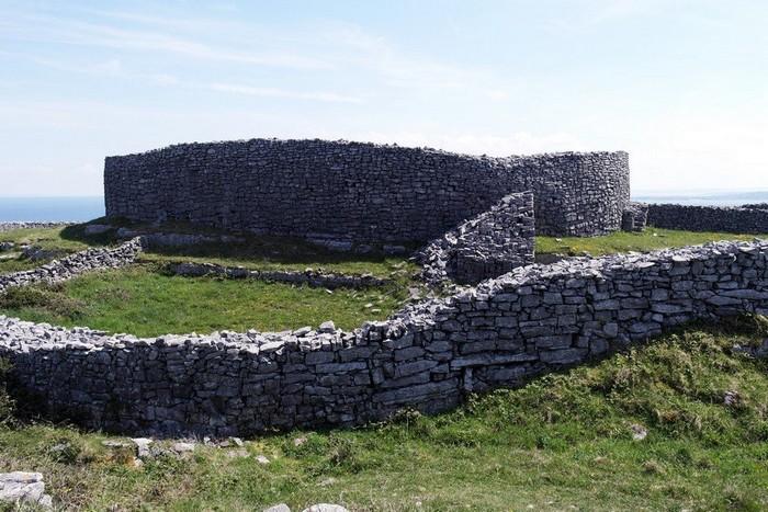 Неолитическая крепость Dun Eochla на острове Инишмор
