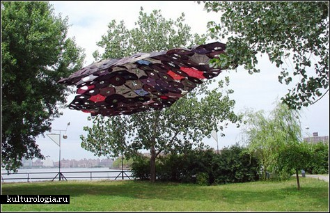 Невероятные инсталляции из предметов быта. Творчество художницы Jean Shin