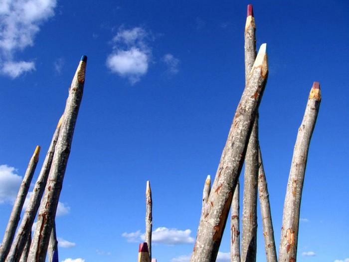 Гигантские цветные карандаши от Йонны Проялаинена (Jonna Phojalainen)
