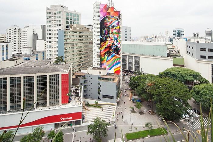 Гигантский портрет Оскара Нимейер в Сан-Пауло от Эдуарду Кобры (Eduardo Kobra)