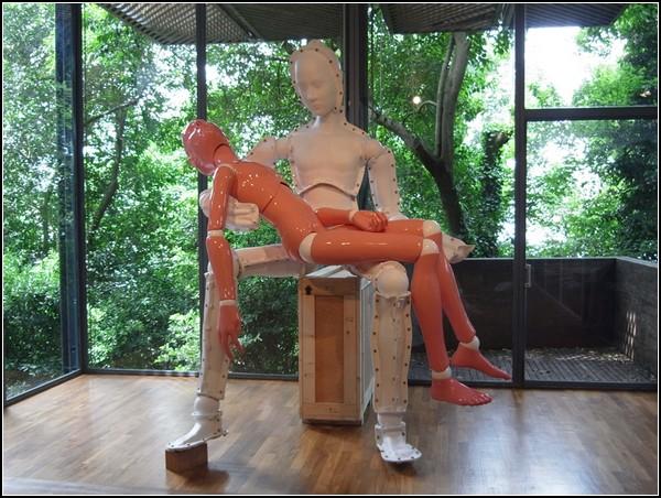 Pieta: self-death, Lee Yongbaek, Венецианская биеннале 2011