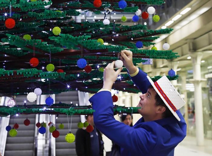 LEGO Christmas tree - �������������� ���� �� LEGO �� ������� � �������
