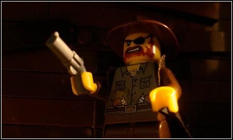 LEGO, Железная хватка