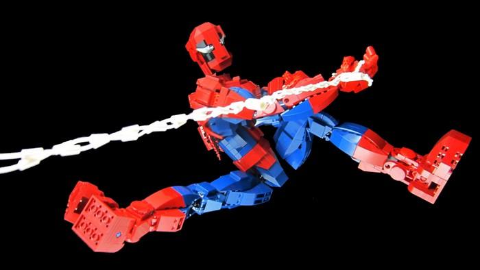 Человек-Паук из LEGO от Марка МакКуи (Mark McCooey)