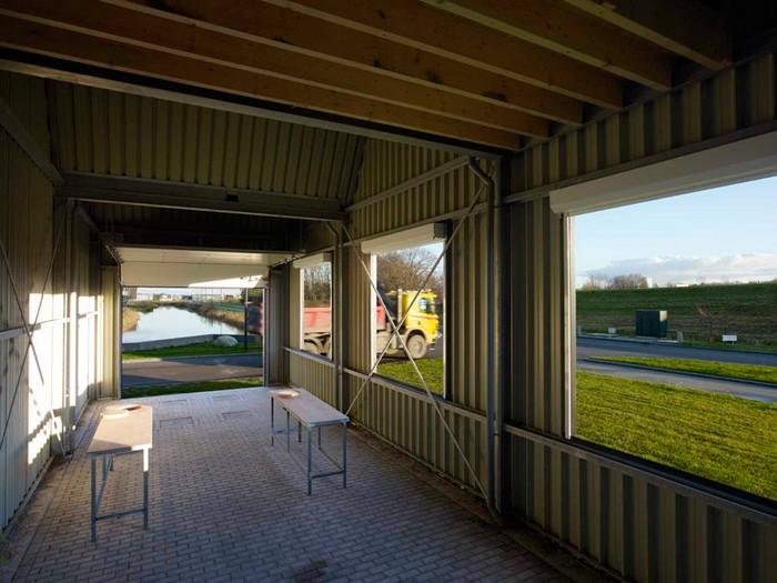Маленькая гигантская фабрика — новая работа от Флорентина Хофмана (Florentijn Hofman)