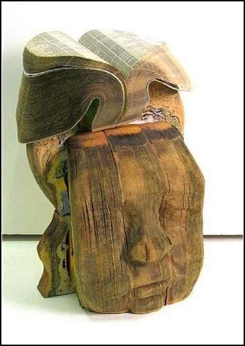 Скульптуры из старых телефонных справочников от Long-Bin Chen