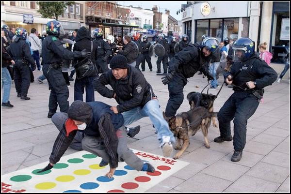 Photoshoplooter – юмористический блог, посвященный беспорядкам в Лондоне