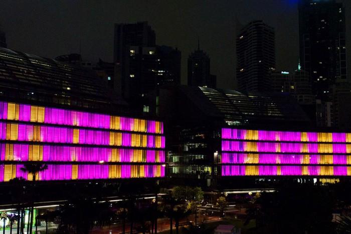 Luminous – интерактивный фасад сиднейского торгового центра