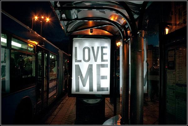 Странные рекламы на мадридских улицах
