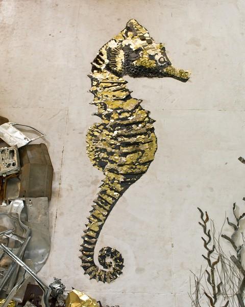 Seahorse. Серия Scrap Metal от Вика Муниса (Vik Muniz)