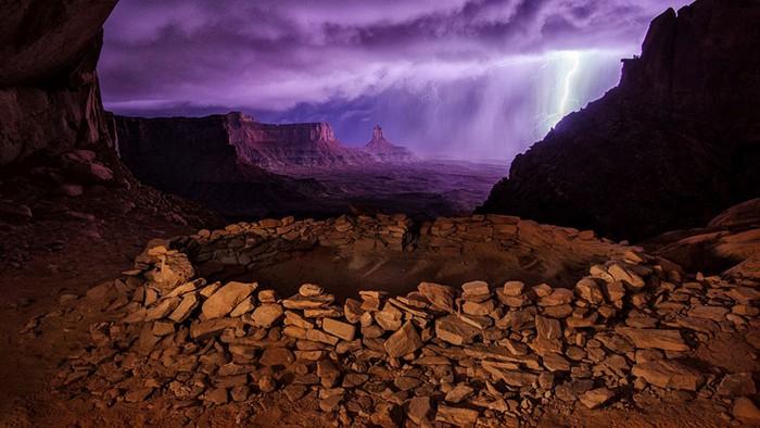 Фотография Thunderstorm at False Kiva от Макса Сейдала (Max Seigal). Конкурс 2013 Traveler Photo Contest от National Geographic