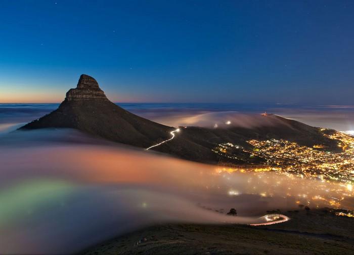 Фотография Cape Town Fog от Эрика Натана (Eric Nathan). Конкурс 2013 Traveler Photo Contest от National Geographic
