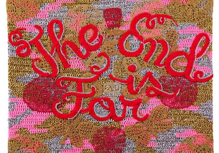 The End is Far – вязаная выставка от Olek