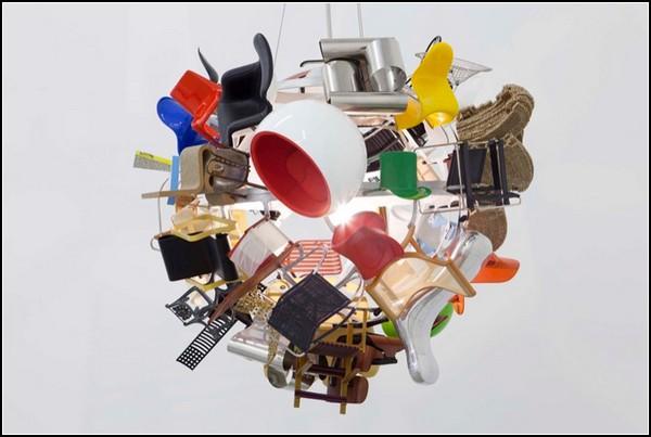 Люстры с дизайнерскими стульями от Паолы Пиви (Paola Pivi)