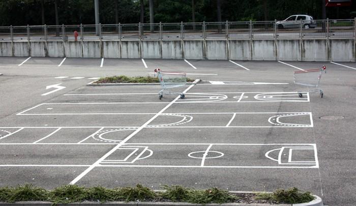Don't pay, play – спортивная инсталляция на парковке супермаркета