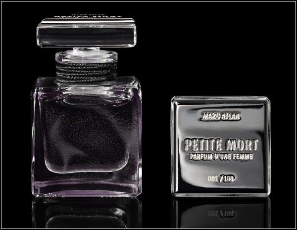 Сексуальная реклама сексуальных духов Petite Mort