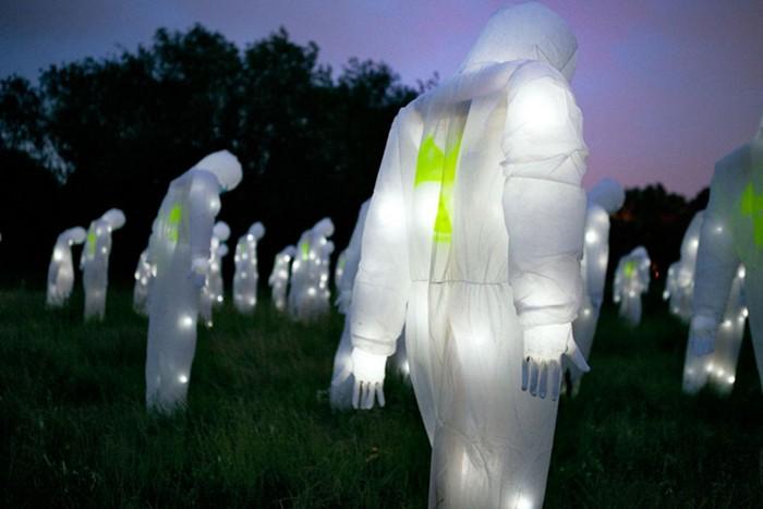 Ядерная паранойя в новой инсталляции от Luzinterruptus
