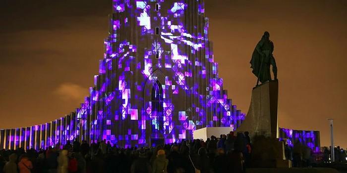 Световая инсталляция Rafmögnuð Náttúra от Маркоса Зотеса (Marcos Zotes)