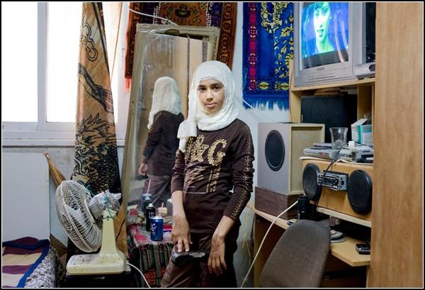 Девушки и их комнаты в международном проекте от Рании Матар (Rania Matar)