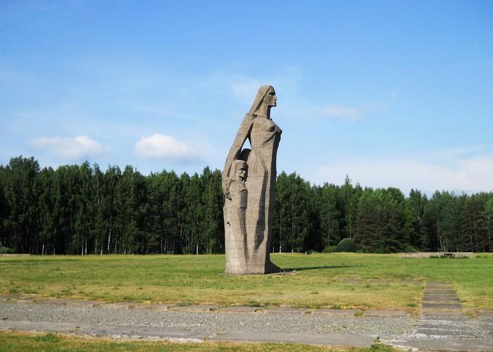 Скульптура Мать