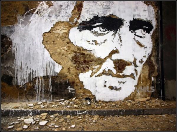 http://www.kulturologia.ru/files/u5694/scratched-murals-2.jpg
