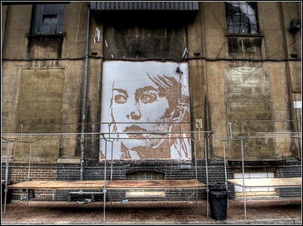 http://www.kulturologia.ru/files/u5694/scratched-murals-3.jpg