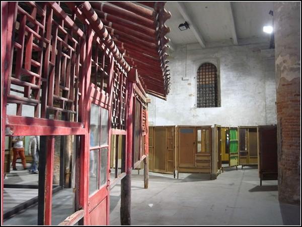 Постмодернистский и эклектичный Китай в инсталляции Para-Pavilion от Сона Дона (Song Dong)