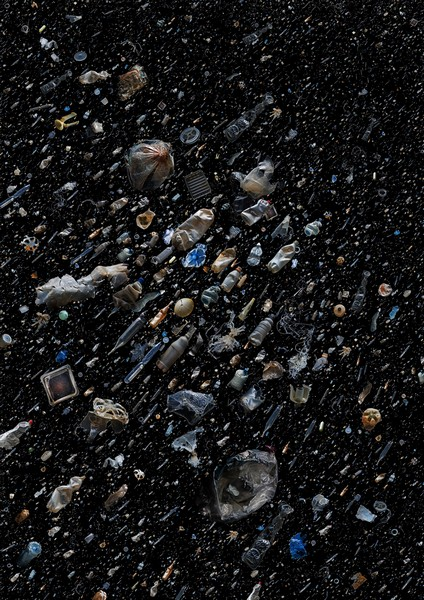 Soup – серия реальных коллажей, посвященных мусору в океане