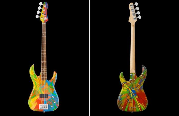 Multi colored bass guitar от Damien Hirst и Flea