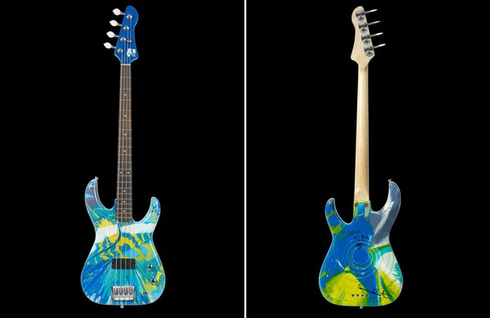 Color spin bass guitar от Damien Hirst и Flea