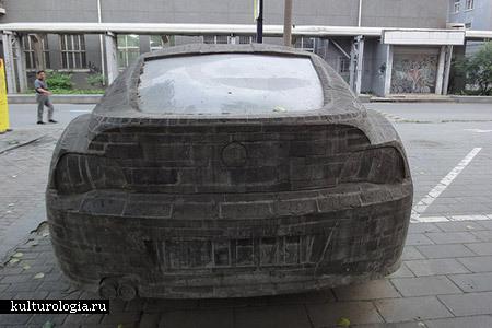 Каменный BMW. Памятник современным реалиям