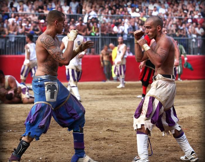 Calcio Fiorentino — исторический футбол для настоящих мужчин
