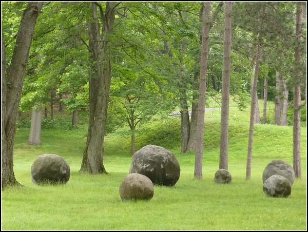 Giant Rock Sculpture