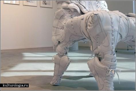 Невероятные скульптуры из кроссовок Nike Dunks