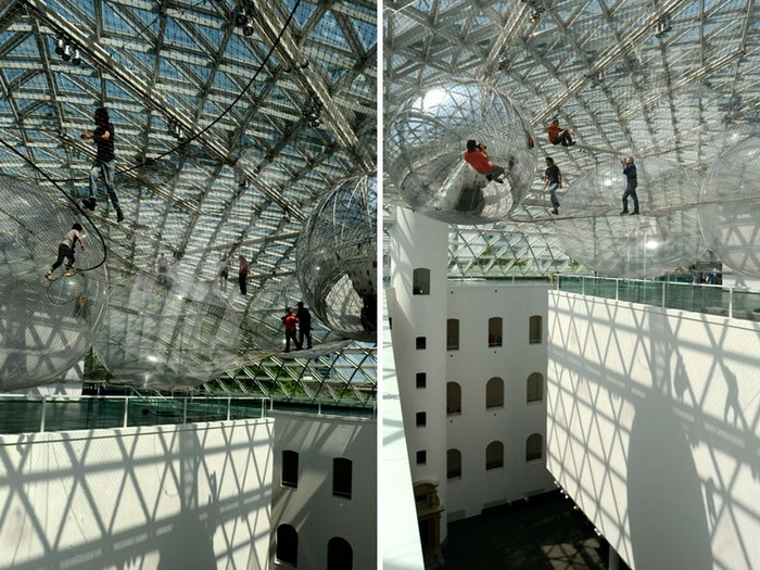 In Orbit – воздушная инсталляция от Томаса Сарацино (Tomas Saraceno)