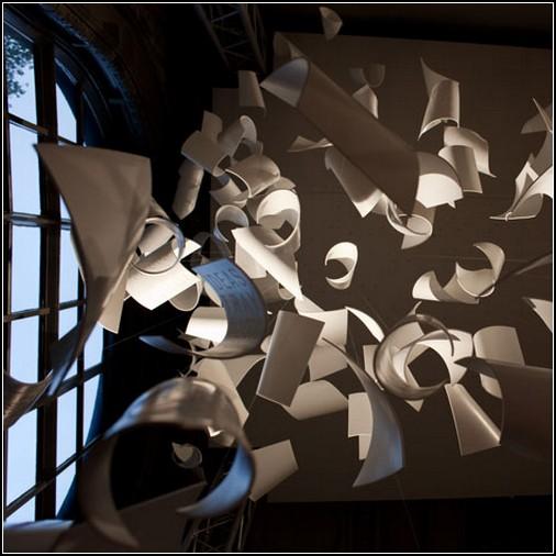 Порыв идей – инсталляция от Пола Кокседжа (Paul Cocksedge)