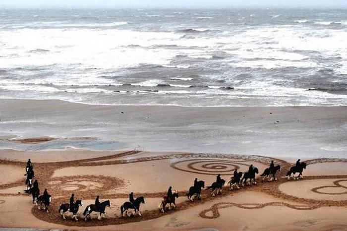 Пляж как холст! Песочные рисунки от Evewright