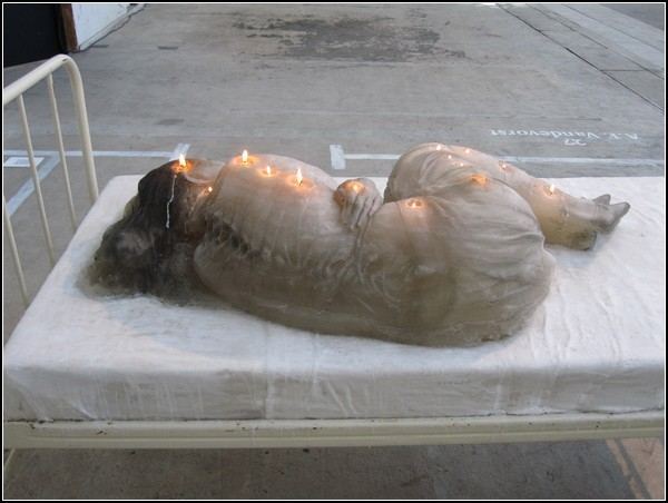 Женщина-свеча от A.F.Vandevorst