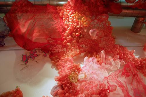 Человеческие ткани из шелка. Творчество Лизы Келленер.