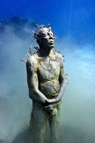 http://www.kulturologia.ru/files/u5794/underwater_sculpture_1.jpg