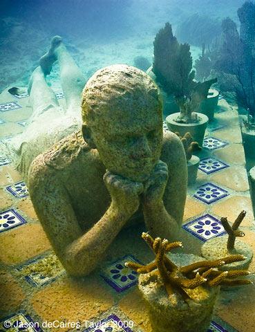 http://www.kulturologia.ru/files/u5794/underwater_sculpture_2.jpg