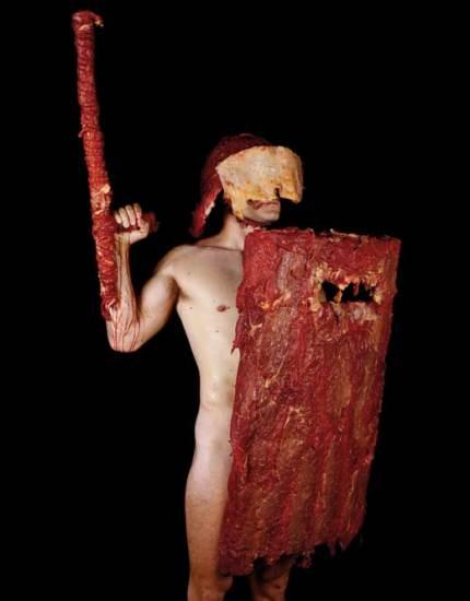 Оружие из мяса и органы из дерева: новое творчество Дмитрия Цыкалова