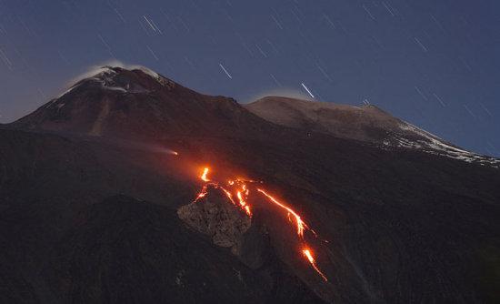 Снимки действующих вулканов от Martin Rietze.