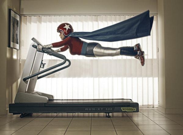 Супергероиня от фотографа Sacha Goldberger