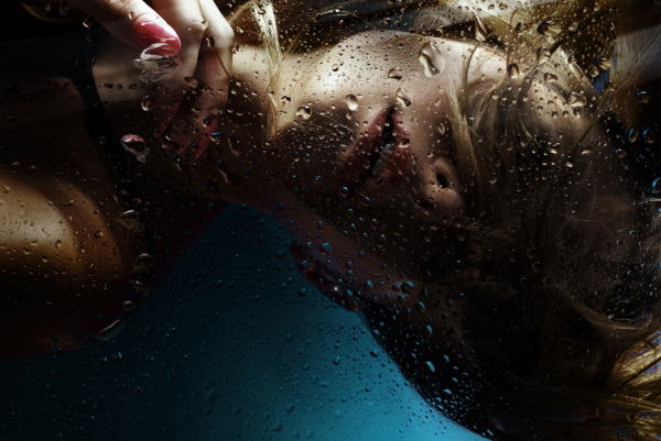 """""""Капли воды на робком стекле..."""""""