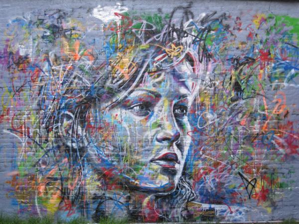 Граффити David Walker сочетает в себе элементы современного и классического искусств