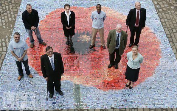 Самый большой фотоальбом в мире: гигантская мозаика  от  Helen Marshall